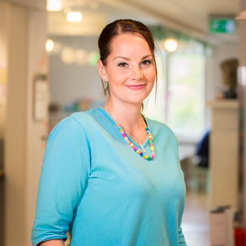 Annika Holst